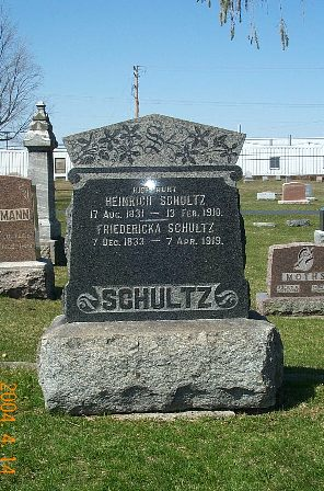 Gravestone of Heinrich and Friedericka Schultz